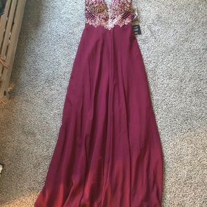 Sweetheart strapless gown